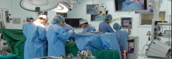 لماذا يمنع الأطباء المريض من تناول الطعام والشراب قبل العملية الجراحية ...