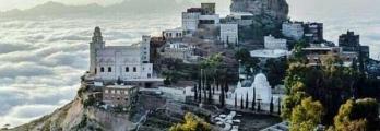 صور تفوق الخيال.. يمنيون يسكنون فوق السحاب