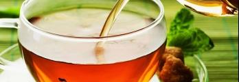 ماذا يحدث في صحتك عند شرب الشاي الساخن؟