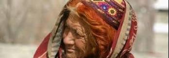 سر القبيلة المسلمة التي يعيش أفرادها 100 عام ويلدن في السبعين ولا يصاب ...