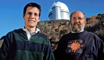 علماء نوبل: هناك حياة خارج الأرض لكن هجرة البشر خيال