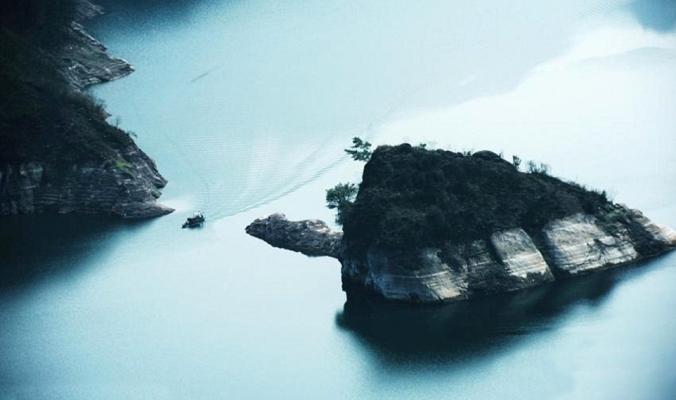 بالصور| جزيرة في الصين تظهر خلال فصل الربيع فقط