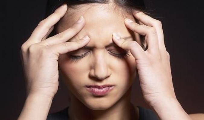 لماذا تصاب غالبية النساء بصداع شبه دائم؟