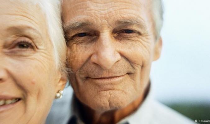 دراسة: المسنون المتزوجون أقل عرضة للأمراض والكسور