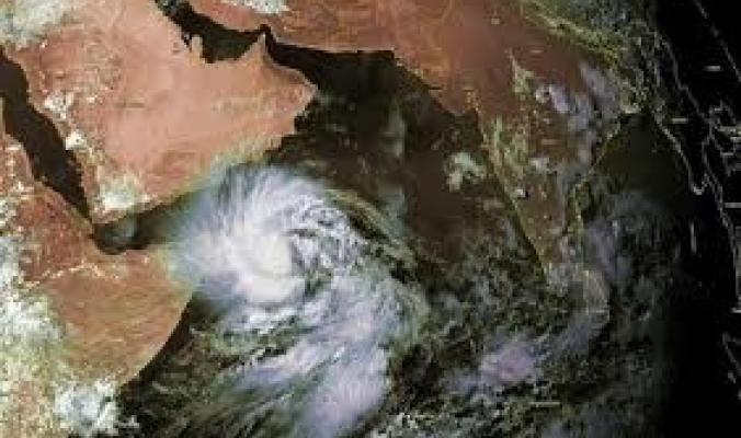"""مساحة إعصار ماكونو تعادل """"ضعفين ونصف"""" حجم السعودية"""