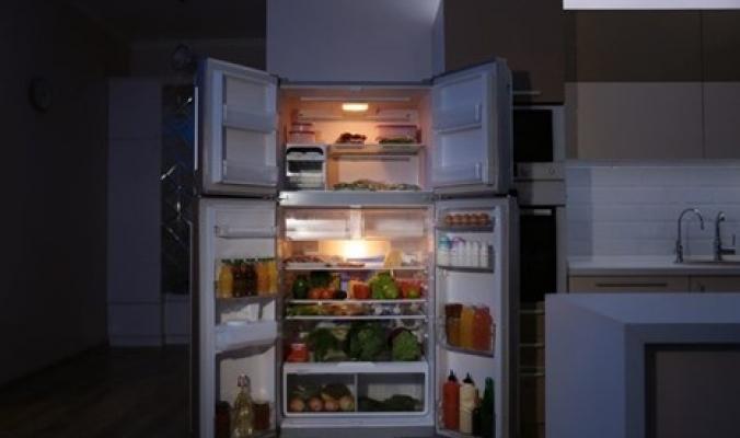 10 مخاطر لتناول الطعام في وقت متأخر من الليل.. تعرّف عليها