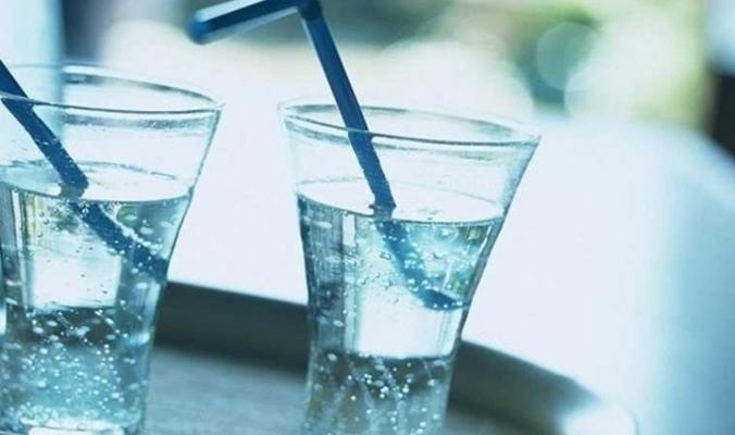 """فوائد صحية مدهشة للمياه المعدنية الفوَّارة """"الغازية"""""""