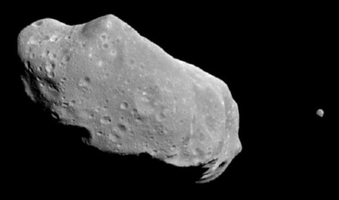 """فلكي روسي يكشف حقيقة """"كويكب يوم القيامة"""""""
