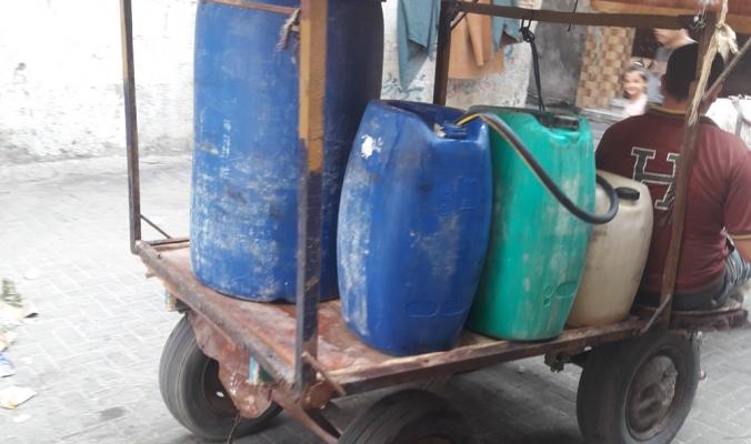 حين تصبح النظافة العامة ترفاً...جانب من تداعيات الفقر المسكوت عنها في قطاع غزة