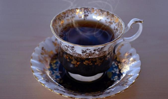 3 خرافات عن الشاي الأسود.. و4 معلومات صحيحة