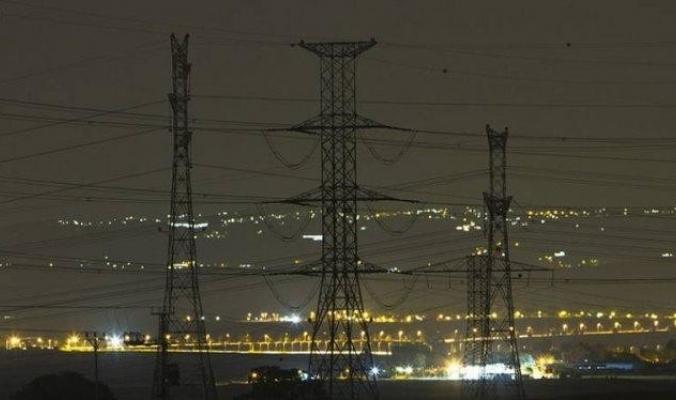 شركة الكهرباء الإسرائيلية ستبدأ بقطع التيار الكهربائي عن الضفة اليوم.. وهذه هي المناطق المتأثرة