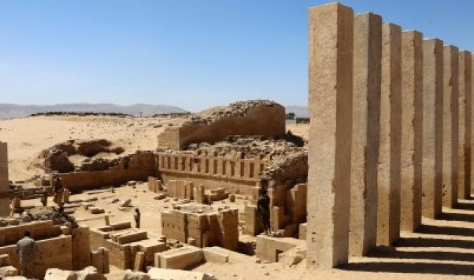 كانت عاصمة البلاد قبل قرون وفيها خامس أقدم مسجد في العالم.. مدينة تراثية يمنية مهدَّدة بسبب الحرب