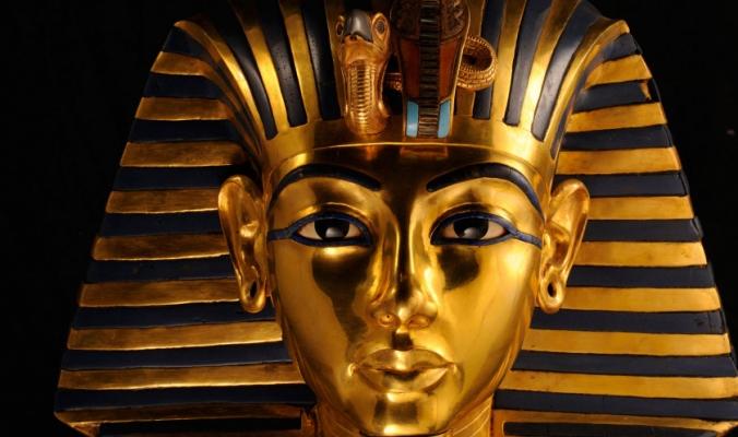 لماذا مات المسؤولون عن فتح مقبرة توت عنخ آمون في ظروف غامضة.. حقيقة اللعنة التي أصابتهم