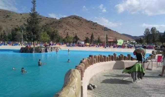 شاهد.. أول شاطئ اصطناعي للمدن غير الساحلية في الجزائر