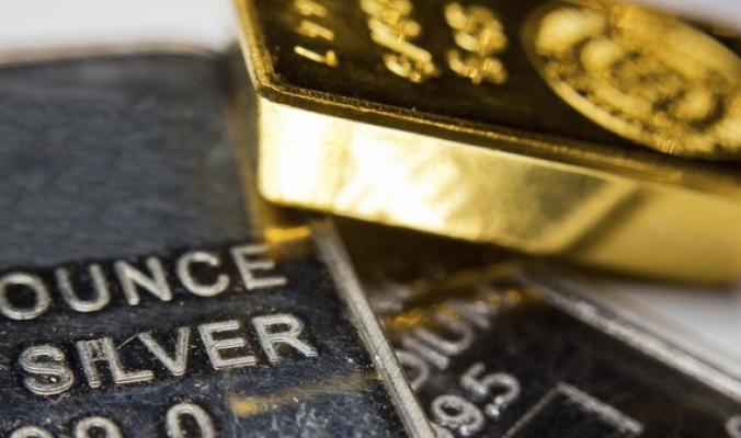 الذهب عند أعلى سعر في 5 أسابيع مع قرب تنصيب ترمب