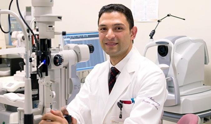 قصة الطبيب العربي الوحيد الحاصل على تصريح عمل في العاصمة اليابانية