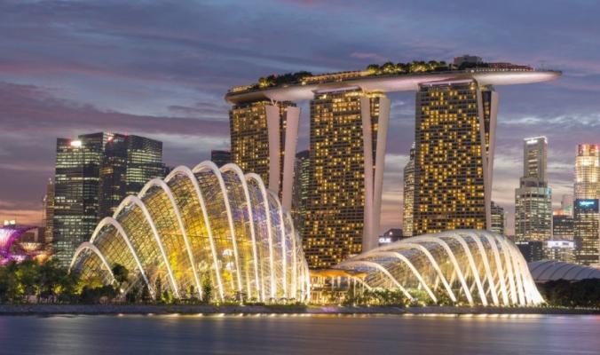 """ما الذي يجعل سنغافورة """"أغلى"""" مدينة في العالم؟"""