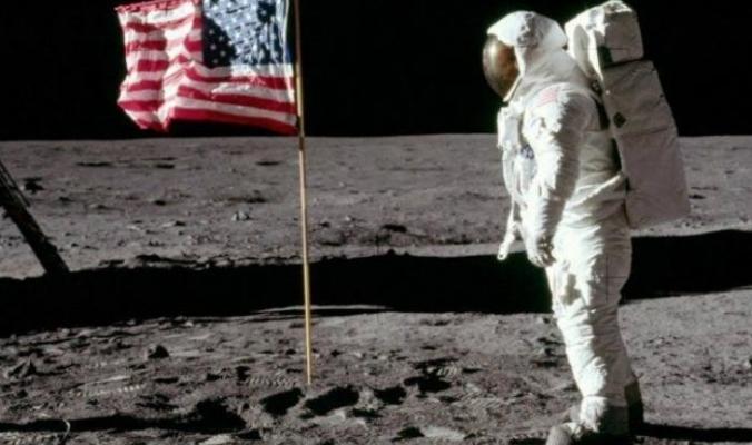لماذا لم يزر القمر أحد منذ أكثر من 45 سنة؟؟