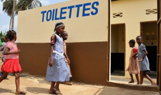 محرومون من المراحيض.. دولة نووية وأخرى عظمى في المراتب الأولى التي يعاني مواطنيها من نقص دورات المياه