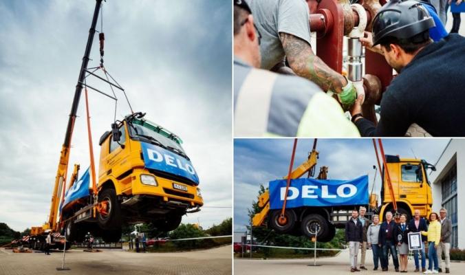 بالفيديو| صمغ خارق يحمل شاحنة في الهواء ساعة كاملة