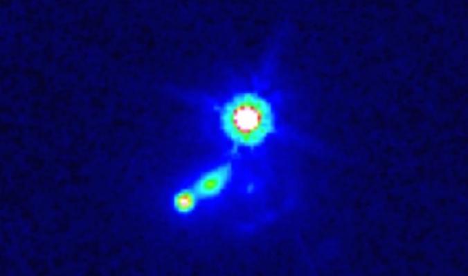 مجرة على بعد خمسة مليارات سنة ضوئية تعلمنا شيئًا جديدًا عن الكون