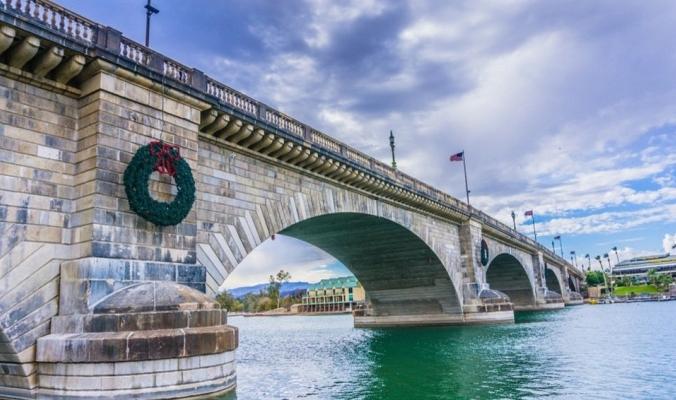 كيف بِيعَ جسر لندن للولايات المتحدة الأمريكية