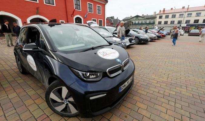 هل السيارات الكهربائية صديقة للبيئة حقاً؟