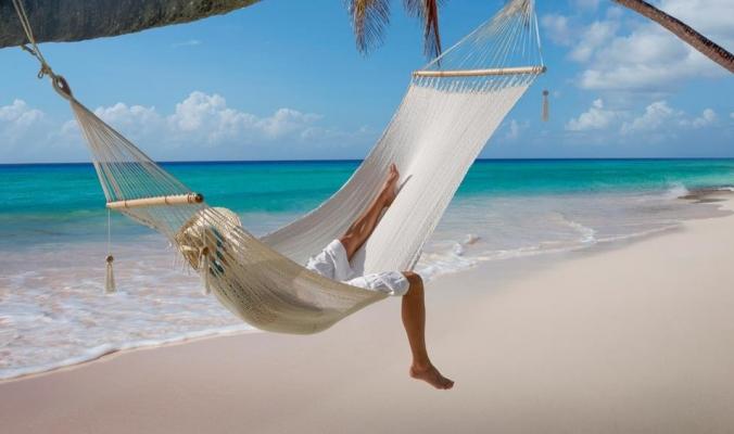 كيف تقضي عطلة في المالديف بأقل من 100 دولار؟