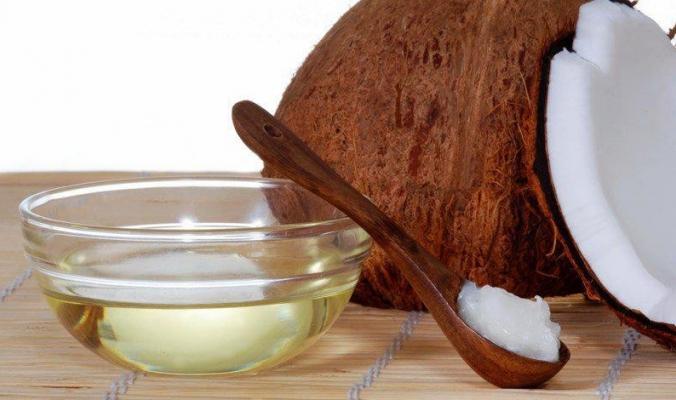 أسباب صحية مذهلة لتناول زيت جوز الهند يومياً