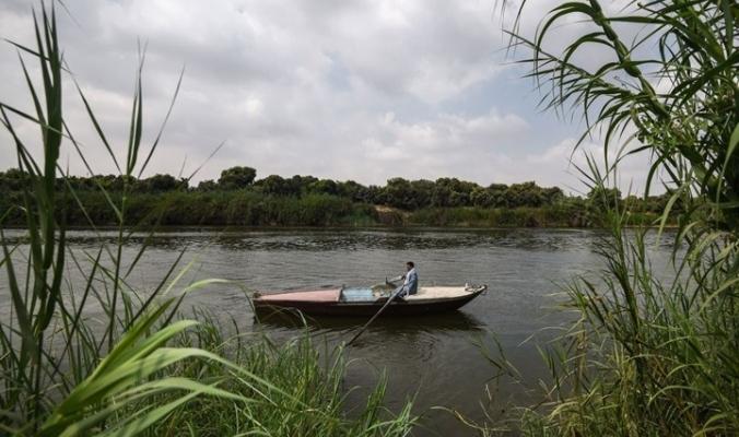 ظهور قاع نهر النيل.. هل دخلت مصر نفق المياه المظلم؟