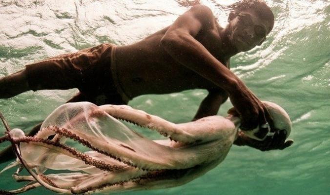 تعرف على بدو البحر من أندونيسيا الذين لديهم تكيّف جيني على الغوص