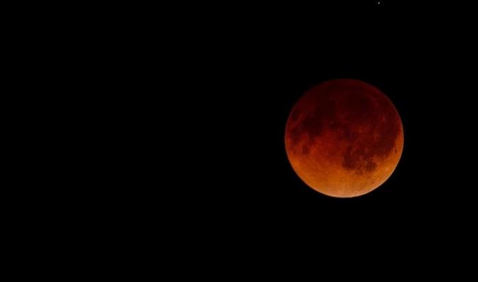 خسوف جزئي للقمر هذا المساء.. هل نحتاج حماية لمشاهدته؟؟