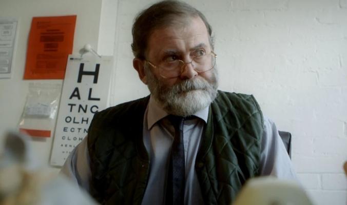لُقّب بـ«طبيب الموت» وقتل 250 ضحية حقناً بالمخدرات.. مَن هو القاتل المتسلسل هارولد شيبمان؟