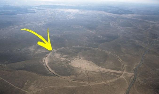 الدوائر الكبيرة التي لم يعرف الناس في سوريا والأردن بوجودها