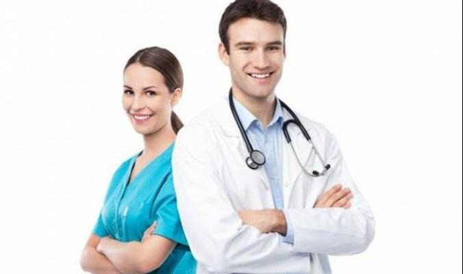 لماذا يرتدي الطبيب السترة البيضاء وحارس الأمن يضع نظارة سوداء؟.. الأمر مدروسٌ وليس عشوائياً