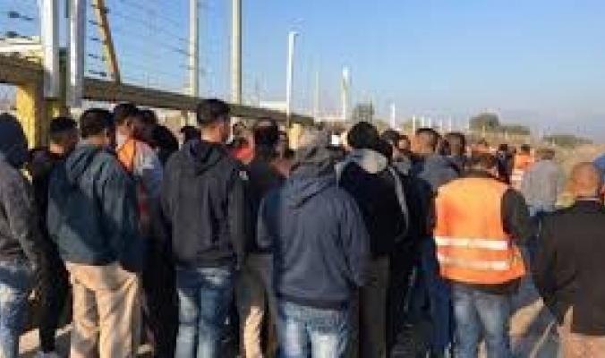 إسرائيل: اعتبارا من الأحد سيدخل العمال للمبيت لمدة 3 أسابيع