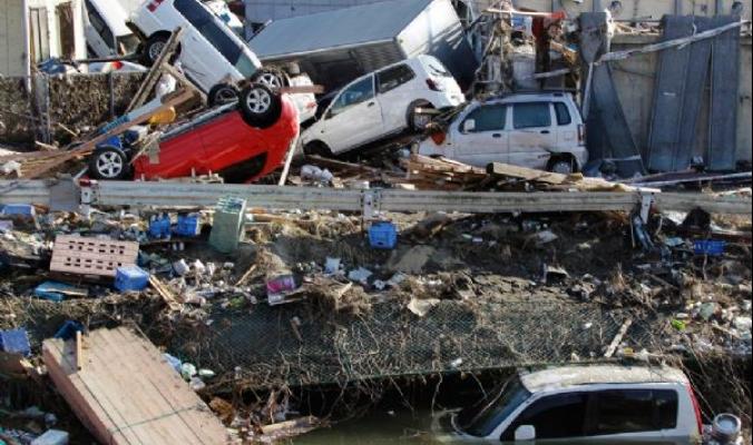 فيديو مذهل يظهر أثر القوة الزلزالية لزلزال بطاقة مرعبة تصل الى 9 درجات على البلاد والعباد