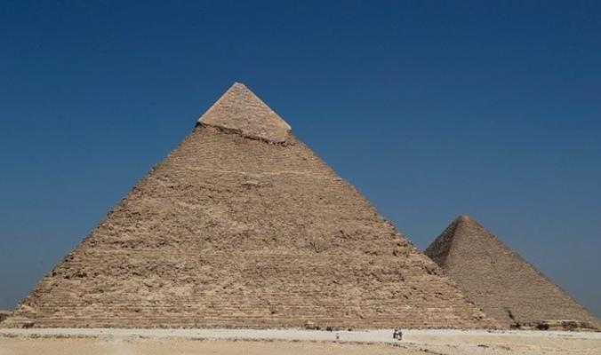 اكتشاف مفاجأة مذهلة موجودة داخل الهرم الكبير بمصر