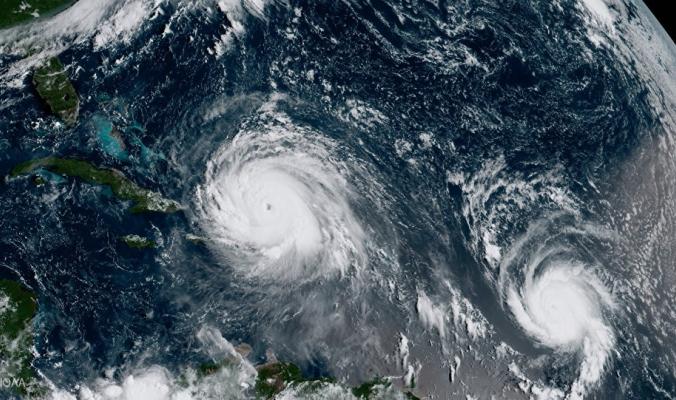 """إعصار """" أوفيليا"""" بوجهة جديدة وفي ظاهرة مناخية تاريخية نادرة"""