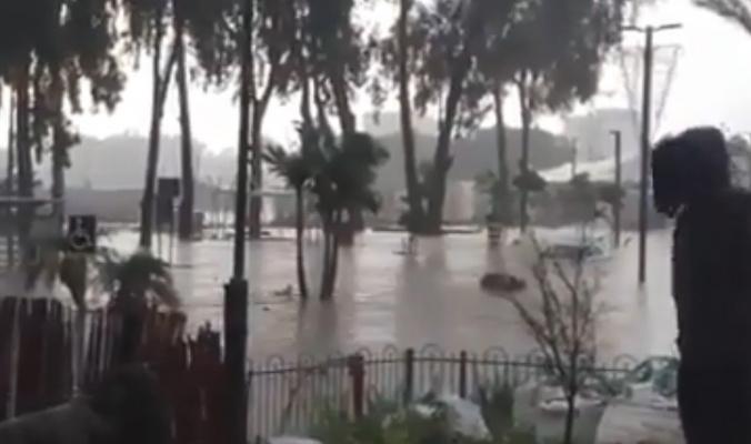بالفيديو ...فيضانات تغرق مدينة عسقلان بعد موجة أمطار غزيرة صباح اليوم
