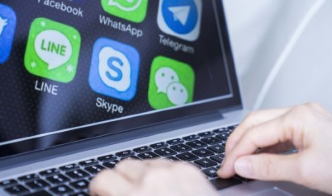 9 وكالات أنباء أوروبية تسعى لفرض بدل مالي على فيسبوك وجوجل.. يجنيان المليارات بفضلهما