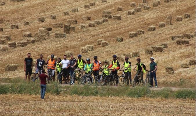 """""""فلسطين ع البسكليت"""": تجوال وبيئة ورياضة"""