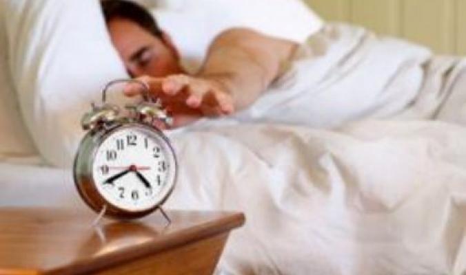 ناموا تصحّوا: النوم القليل يضاعف الشراهة ويسبب البدانة