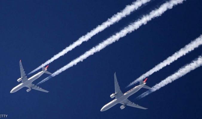 خطوط الطائرات البيضاء.. ما حقيقتها؟ وماذا تعني؟