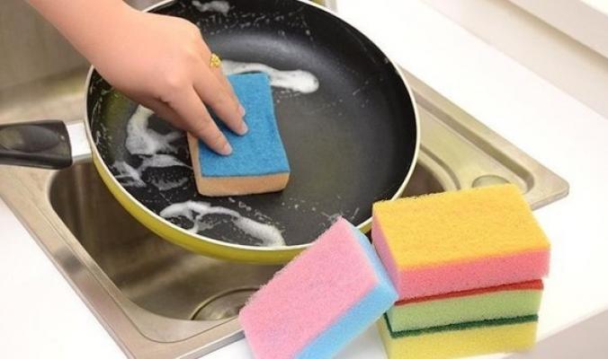لماذا يجب استبدال إسفنجة المطبخ أسبوعياً ؟!