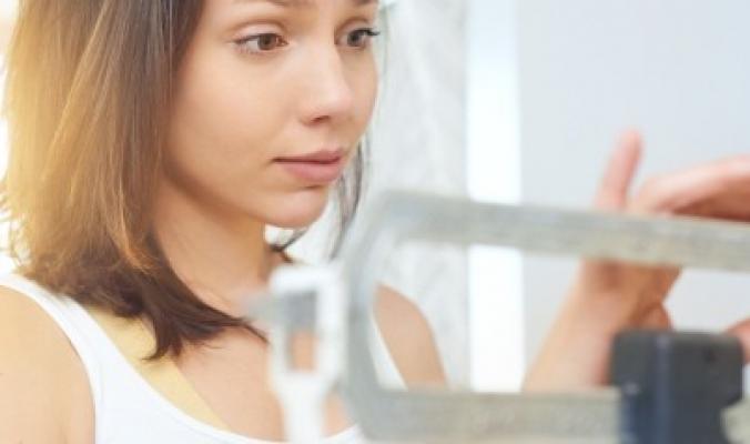 سبب واحد يمنعك من الالتزام بالحمية الغذائية.. تخلَّص منه لينخفض وزنك