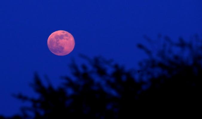 هل نقول وداعاً للقمر؟ إنه ينكمش وتضربه زلازل.. فهل يدعو ذلك للقلق؟