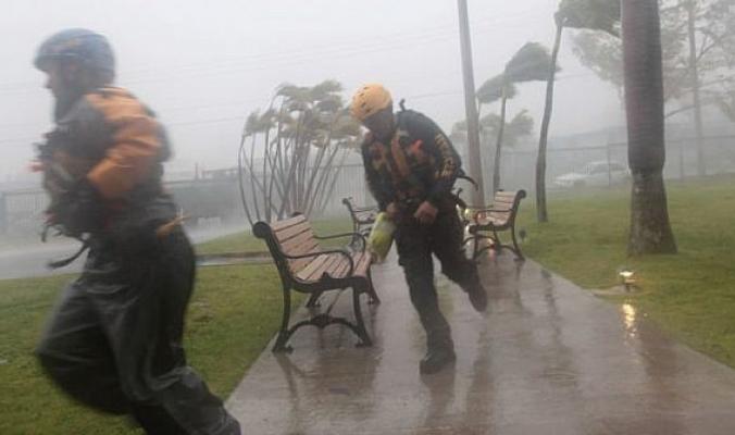 عمليات نهب وسرقات في «شوارع أمريكا» بعد عبور إعصار إرما