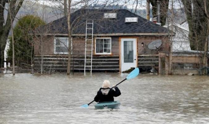 الفيضانات تقتل 12 في كولومبيا