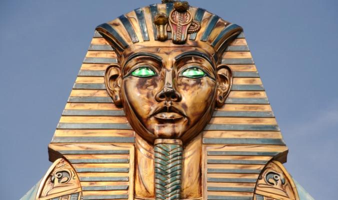 اسمه ليس توت عنخ آمون، متّهم بإشعال الحرب العالمية الثانية، ودُفن في تابوت مستعمل.. 8 حقائق لا تعرفها عن الملك الفرعوني